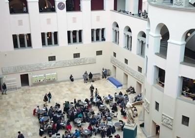 Die Universität Zürich bringt kluge Köpfe jetzt schneller und besser zusammen